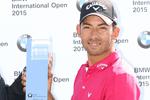 Callaway Apparel – El embajador de la marca Pablo Larrazábal gana el BMW con estilo
